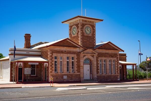 Menzies town hall.jpg